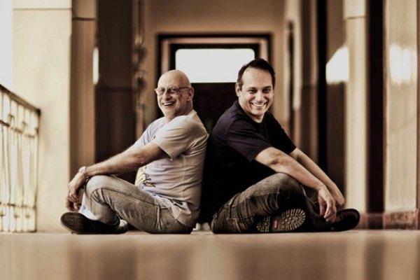 Alberto Guzik e Ivam Cabral, dois dos fundadores da SP Escola de Teatro. Foto: Acervo