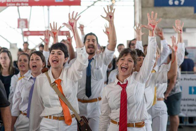 A sede Brás da SP Escola de Teatro foi palco para 'Nos Trilhos Abertos de Um Leste Migrante', criação do Coletivo Estopô Balaio, em novembro. Foto: Divulgação