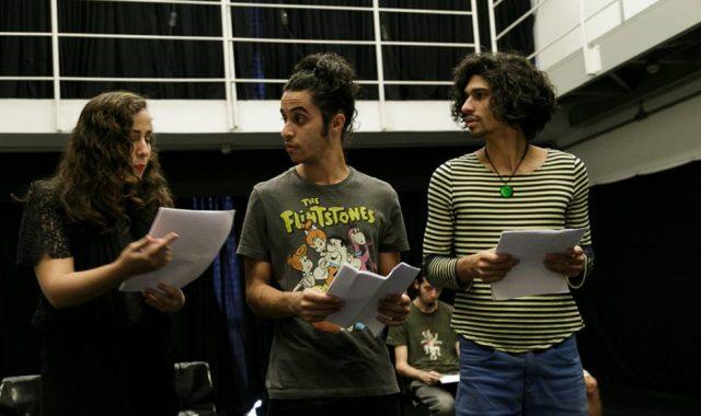Leituras dramatizadas durante o festival Satyrianas. Foto: Noelia Nájera/Fotomix