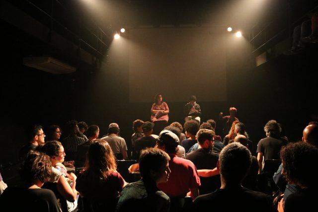 """Leitura dramática de """"O Fantasma que Dança Rumba"""", do dramaturgo Wander B., em julho. (Foto: SP Escola de Teatro)"""