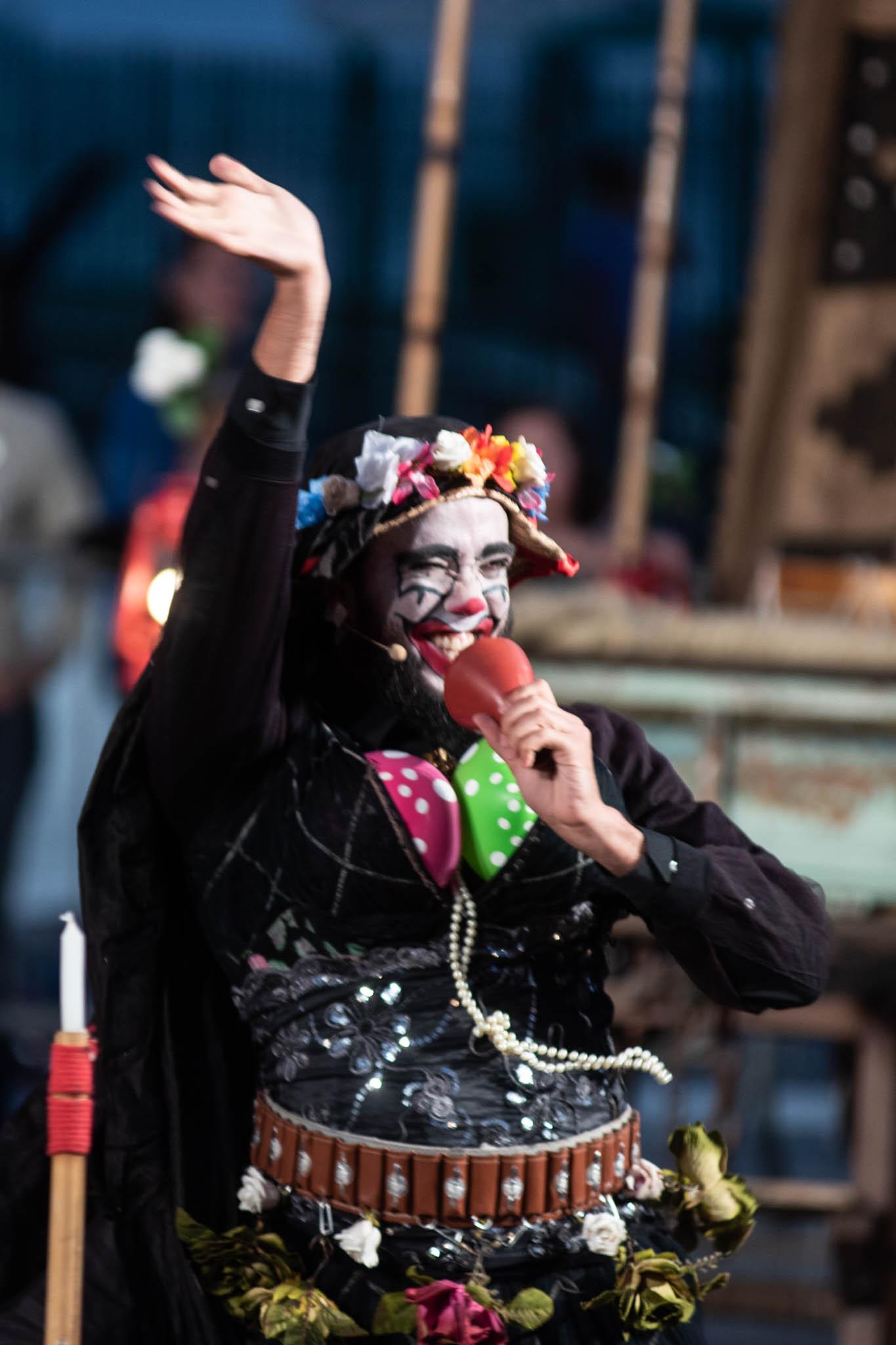 Sua Incelença, Ricardo III, do grupo Clowns de Shakespeare, por Bob Sousa