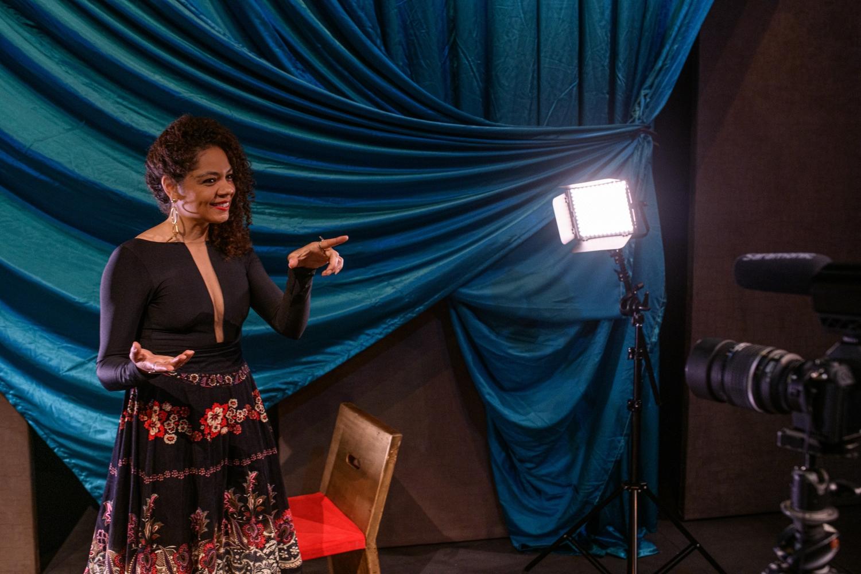 A jornalista Zirlene Lemos na 2ª Edição do Prêmio Arcanjo de Cultura. (Foto: Edson Lopes Jr./Prêmio Arcanjo)