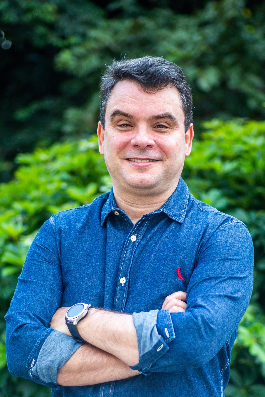 O jornalista e crítico Celso Faria, do @blogeurbanidade, um dos 12 comunicadores convidados da Mostra Aldir Blanc na SP Escola de Teatro - Foto: Edson Lopes Jr.