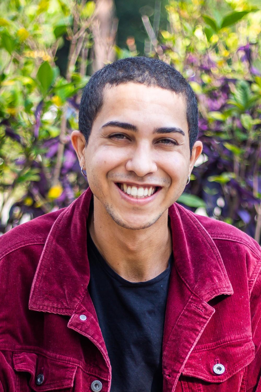 O ator e jornalista Luiz Vieira, do @responderfazendo, um dos 12 comunicadores convidados da Mostra Aldir Blanc na SP Escola de Teatro - Foto: Edson Lopes Jr.